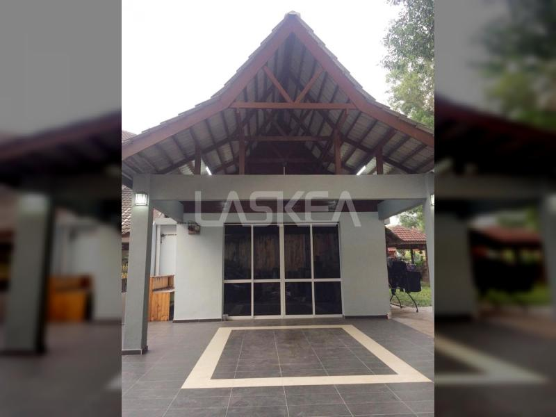 Terrace 2sty for Sale 4r3b 1,400 sqft EndLot at Seksyen 8, Shah Alam, Selangor
